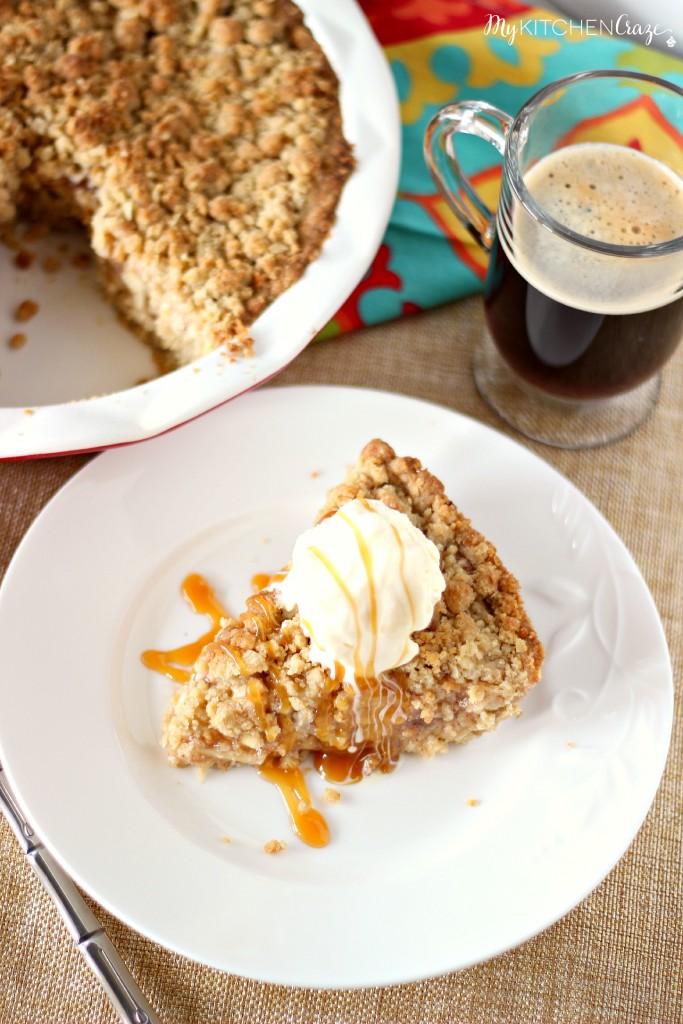 Dutch Apple Pie l My Kitchen Craze