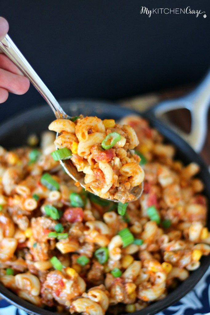 Taco Pasta ~ Easy and quick meal for those busy nights. ~ www.mykitchencraze.com
