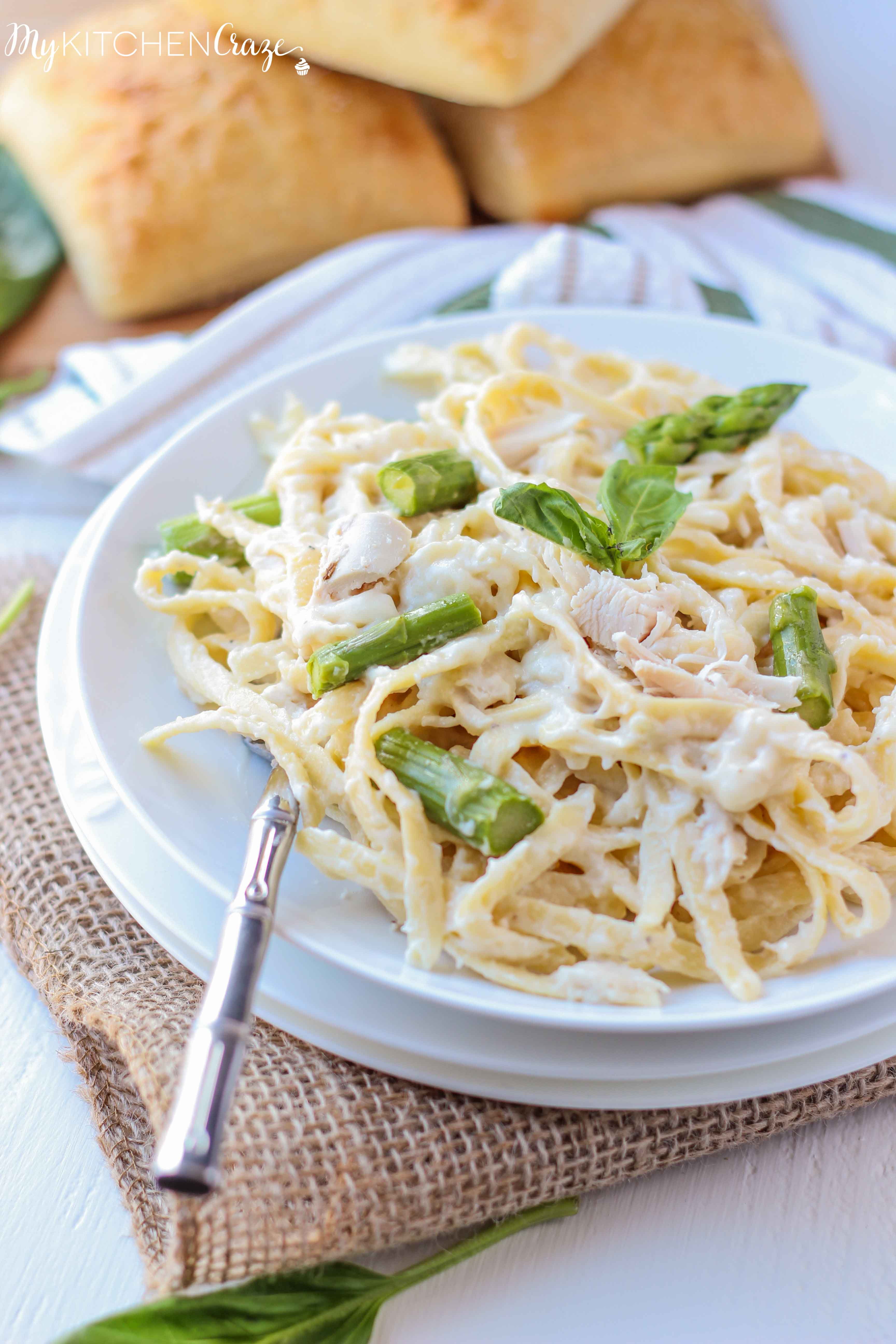 Chicken & Asparagus Fettuccine Alfredo ~ mykitchencraze.com ~ Enjoy this creamy pasta with in 30 minutes. Perfect for those busy nights!