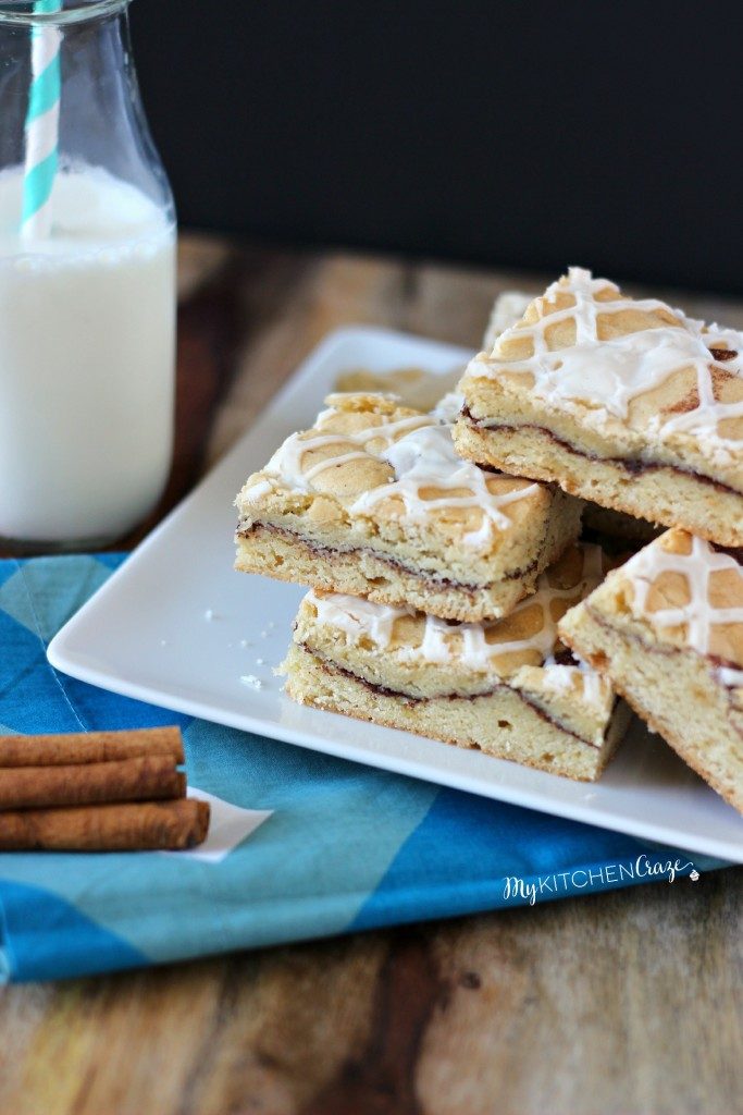 Snickerdoodle Bars ~ A chewy, soft blondie bar, swirled with cinnamon-sugar then drizzled with a simple glaze. ~ www.mykitchencraze.com