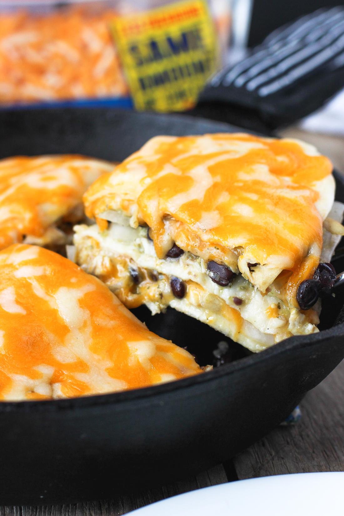 cheesy-salsa-verde-chicken-tortilla-pie-3