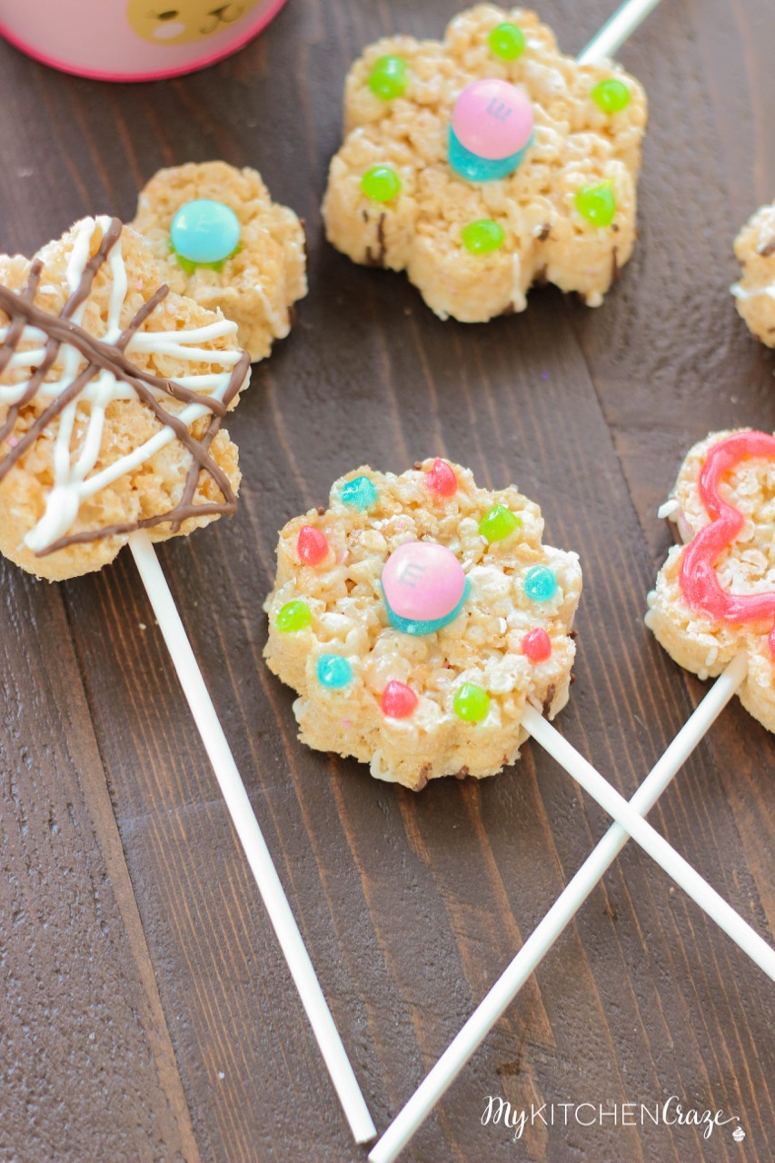 M&M Rice Krispie Flower Treats ~ mykitchencraze.com ~ Enjoy these festive and delicious treats for Easter!
