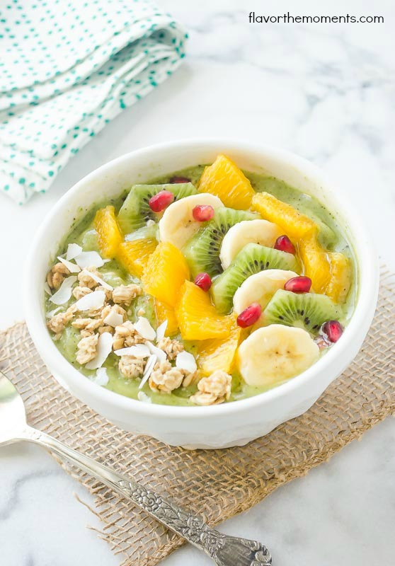 green-coocnut-kiwi-banana-smoothie-bowl2-flavorthemoments.com_